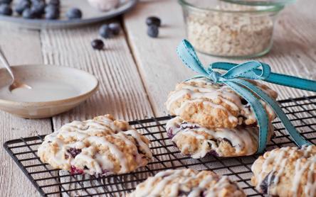 Áfonyás zabpelyhes keksz fehércsokoládéval