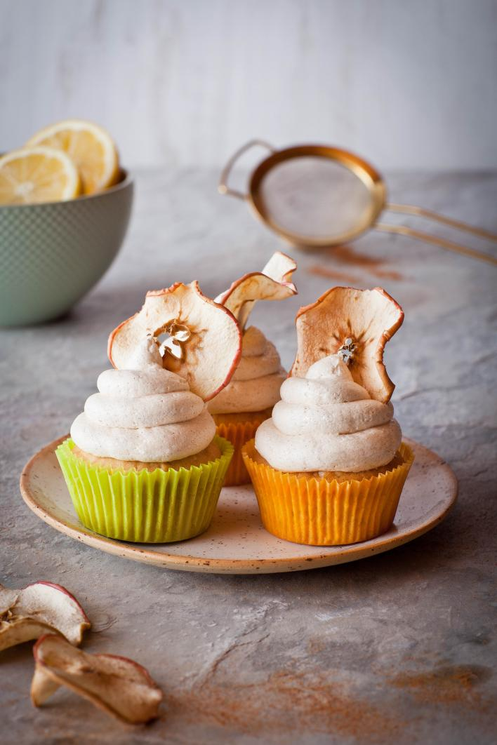 Almás-fahéjas muffin szárított almakarikákkal