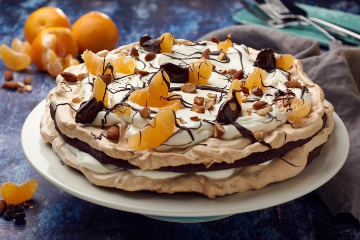 Norvég tojáshabos sütemény mandarinnal és csokoládéval