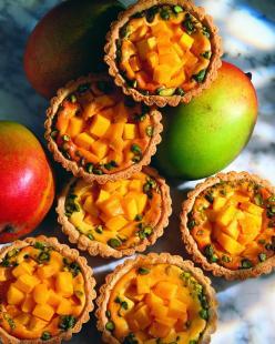 Túrókosárkák mangóval