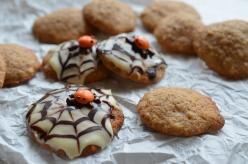 Eszterházy cookie, cukorpókkal Halloween-re