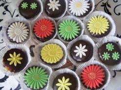 Csokis linzer marcipánvirágokkal