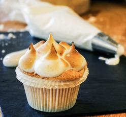 Citromos-málnás cupcake
