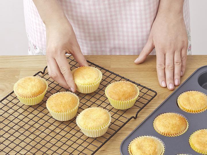 Húsvéti kiscsibe muffin elkészítés 6. lépés képe