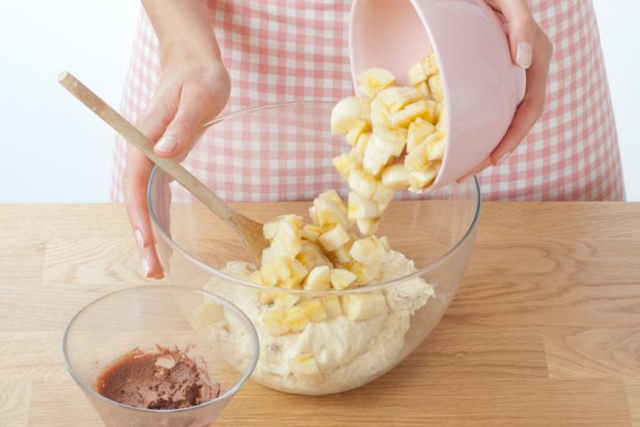 Banánkenyér fehércsokoládéval elkészítés 4. lépés képe