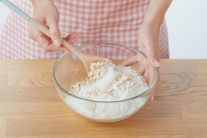 Almás-fahéjas muffin szárított almakarikákkal elkészítés 3. lépés képe