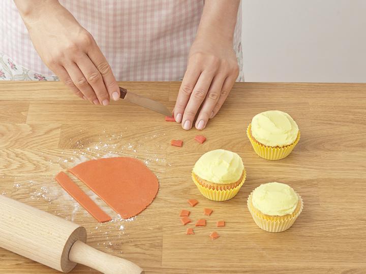 Húsvéti kiscsibe muffin elkészítés 9. lépés képe