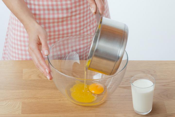 Almás-fahéjas muffin szárított almakarikákkal elkészítés 1. lépés képe